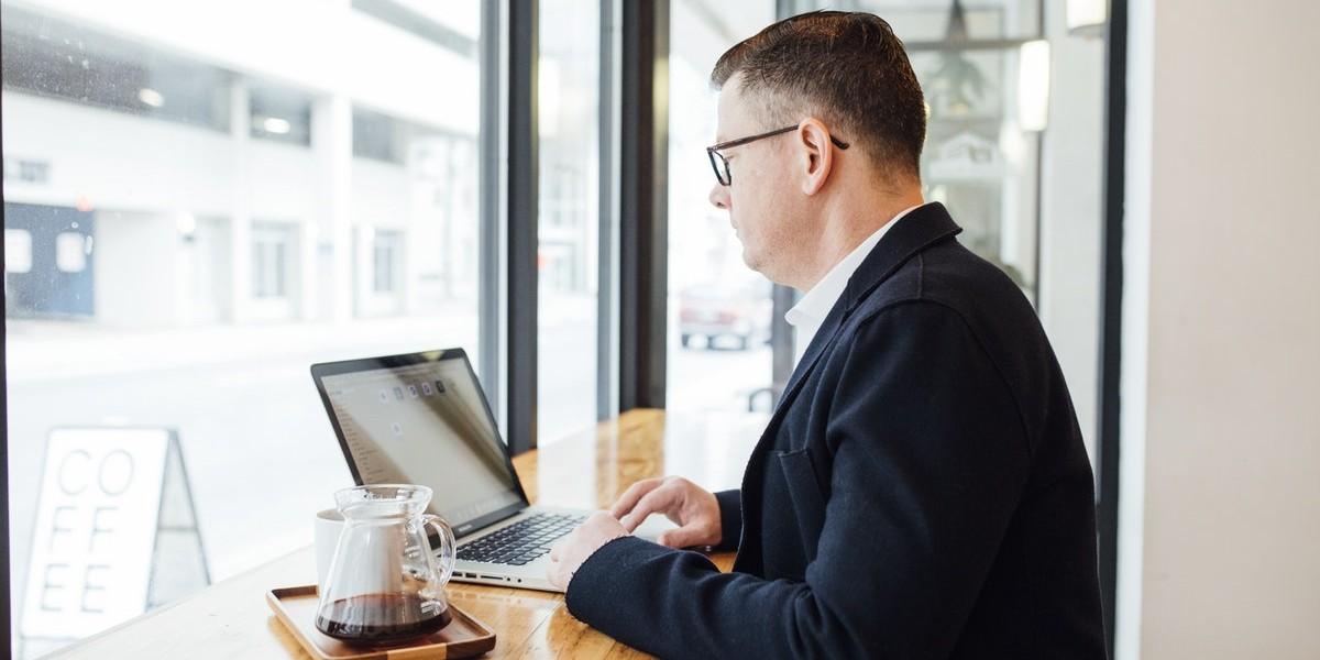 Az állva végzett munka segíthet a fogyásban